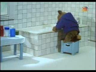 Мишка в горячей воде (1975)