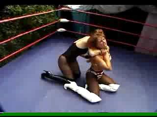 DT 413-02 Superheroine Challenge -  Lisa Marie vs Bobbie - 24m36s{}(S.G.)