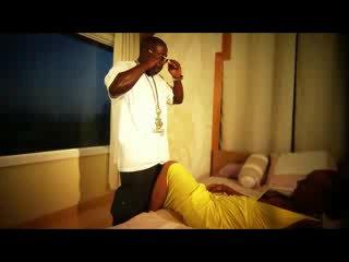 Laroo ft Malika - Give It To Me