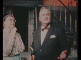 """Отрывок из спектакля Театра Сатиры """"Проснись и пой"""", песня Пишты и Голубки."""