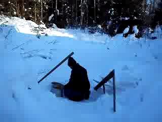 Зима в Галично - добыча воды для бани...