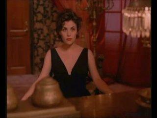 Твин Пикс / Twin Peaks / Шерилин Фенн / Sherilyn Fenn / Сцена с вишенкой