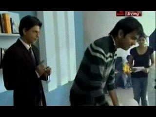 (Жизнь с суперзвездой: Шахрукх Кхан / Living With A Superstar: Shah Rukh Khan) - Документальный фильм