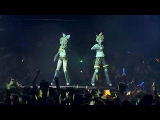 Вокалоиды Рин и Лен Живое выступление.Butterfly on Your Right Shoulder Live
