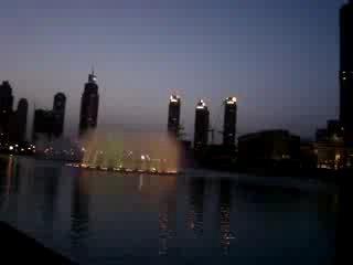 Фонтан в Дубаи - самое яркое пятно на Земле из космоса
