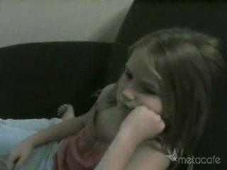 Девочка в гневе(слабо нервным не смотреть).