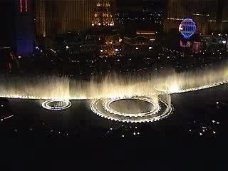 Танцующий фонтан Bellagio (Лас-Вегас) - ночью