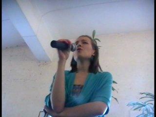 Поэт Марина Кацуба ( арт-клуб БОЛТ ) Театр поэтов ПОСЛУШАЙТЕ! в Лофт Проект ЭТАЖИ 27.06.10