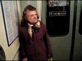 МОЛЧАТЬ СУКИ !  Я коренная !   (в метро) Питер БЛЯ,АХАХ,Я БЫ ЕЙ УЕБАЛА