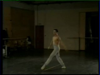 Владимир Васильев репетирует с Эриком Вю Аном па-де-де из балета Корсар