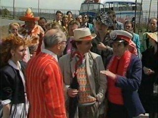 Классический Доктор Кто 24 сезон 3 серия 1 часть - Дельта и знаменосцы / Русские субтитры