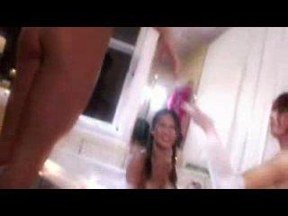 Стриптиз Стрип танцы с исполнением шикарных девушек ! Полное видео c высоким качеством можно скачать с сайта www.nikomix.ru