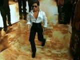 Breaking Free of the Box--Shahrukh uploads Ra.One Twitter pic 1