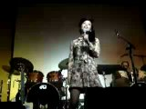 T.V. Carpio singing live I Saw Her Standing