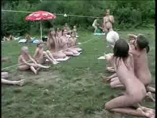 Нудисты в клубах видео фото 339-603