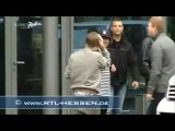 [новый клип джастина с ритуальными танцами]Justin Bieber crash with the door