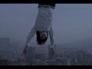 G-Dragon - 2% Type A – 11m. Кадр с падающей слезой Лидера Квона невероятен