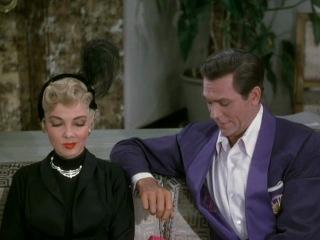 """too darn hot"" (из фильма ""kiss me, kat"", 1953)."