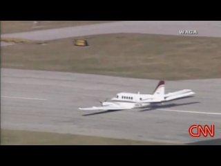 Идеальная Аварийная Посадка Легкого Самолета Без Шасси