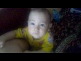 мой сынуля танцует под гимн контакта