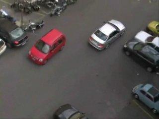 Как паркуются женщины