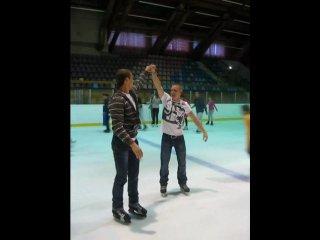 Эксклюзивный танец на коньках в исполнении Павла Донцова и Богослава Владислава...)))