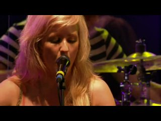 Ellie Goulding - Guns And Horses (Radio 1's Big Weekend 2010)