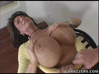 Brazzers: Deauxma (Mommy Got Boobs)