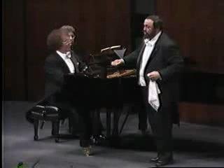 Pavarotti-Bellini-Vanne, o rosa fortunata