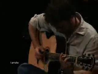 Самая лучшая игра на гитаре, которую я только видел...