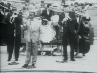Louis Armstrong - What A Wonderful World (1968, live)