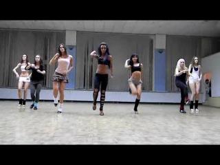 ♥GO-GO dance - девчонка в центре реально двигается
