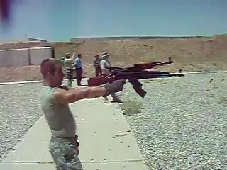 Как с АК 47 надо стрелять