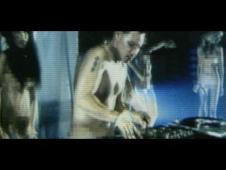 Methods Of Mayhem - Get Naked (feat. Limp Bizkit, Tommy Lee, Lil Kim & Pamela Anderson)