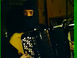 Скорпион хуячит саундтрек к Мортал комбат на баяне
