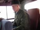 назад в часть)))в автобусе...а рядом сидит какаято девушка)))