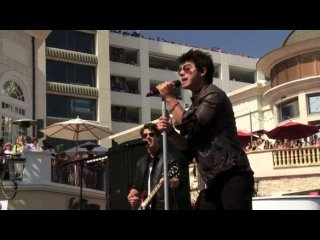 Jonas Brothers - L.A. Baby (Live in Los Angeles, Grove Cambio Special)