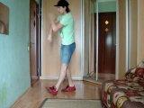 АХАХХА сейчас стало модно дома в кроссовках танцевать:D