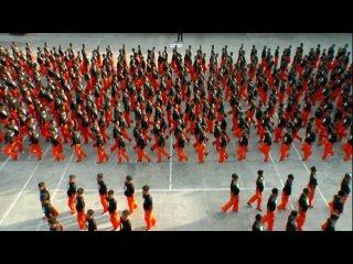 Танец заключенных в память о М.Джексоне