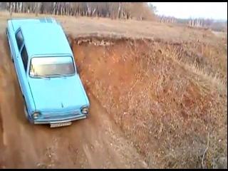 Zaz-968M сделал джипов на землянном подъеме)