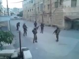 Патруль израильской армии танцует под музыку Kesha в Хевроне