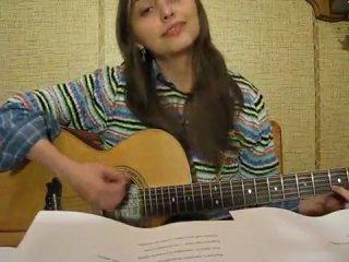 Классная девочка с классным голосом поёт песенку про ежика)))Дикий угар