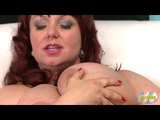 ScoreHD: Busty Lady Satisfy Herself (mature, MILF, BBW, мамки - порно со зрелыми женщинами)