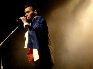 30 Seconds To Mars @ Lille - Drapeau France + Jared say MERDE + Soutien gorge + photo du public