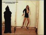 казнь девушки с помощю петли