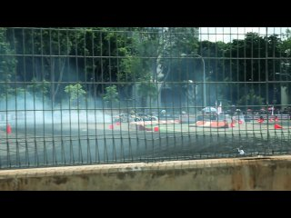 Car porn - formula drift singapore 2010 f1 flyer pit