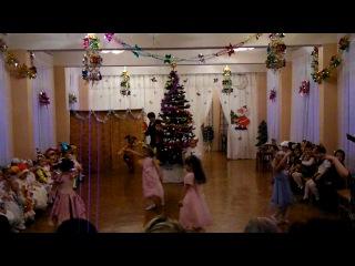 Елка 2010 - наши мишки и бусинки)))