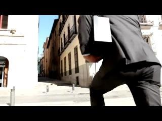 Ролик о персональной доставке Nike новых бутс Криштиано Роналдо