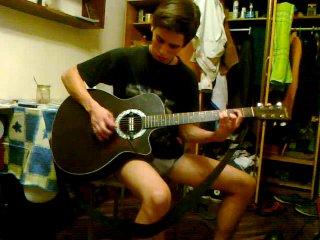 как нужно разыгрыватся на гитаре)))
