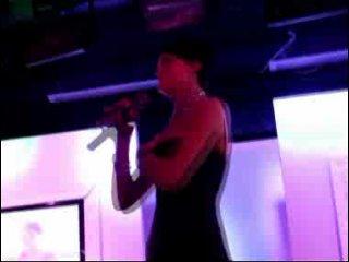 Платье Славы не выдержало темперамента певицы